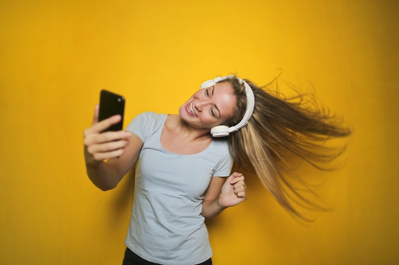 Czy popularne selfie szkodzi? Poznaj tarczę ochronną dla skóry