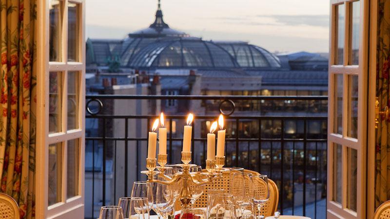Najsłynniejszy luksusowy hotel w Paryżu