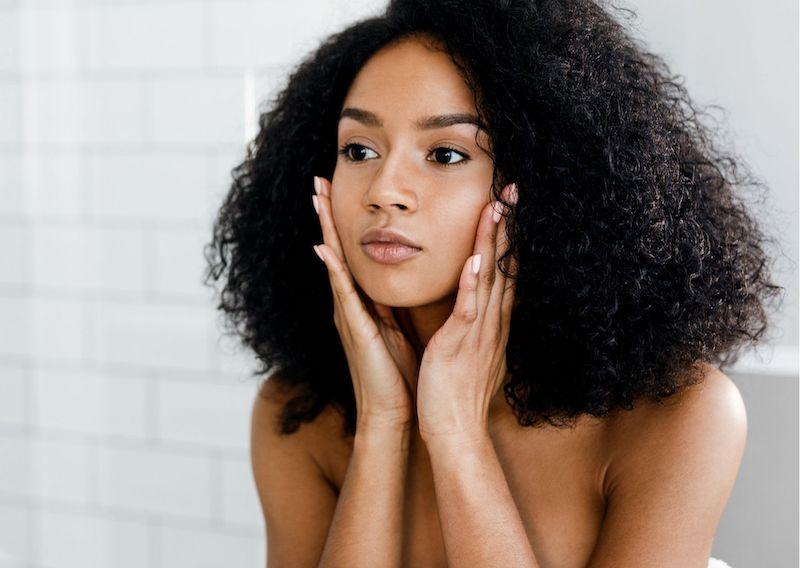 Zadbana skóra po wakacjach. Top 5 produktów, które zregenerują twoją cerę